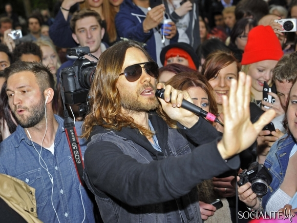 jared-leto-30-seconds-2-05302013-02-580x435