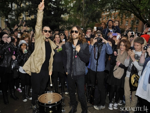 jared-leto-30-seconds-2-05302013-03-580x435