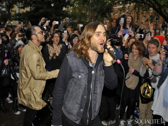 jared-leto-30-seconds-2-05302013-04-580x435