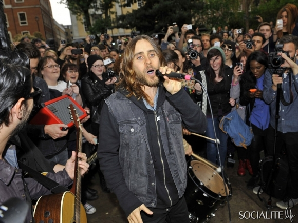 jared-leto-30-seconds-2-05302013-07-580x435