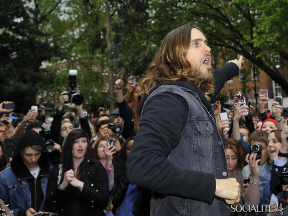 jared-leto-30-seconds-2-05302013-12-580x435