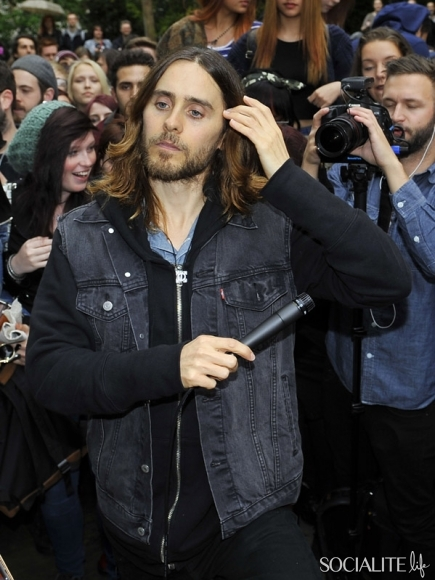 jared-leto-30-seconds-2-05302013-14-435x580