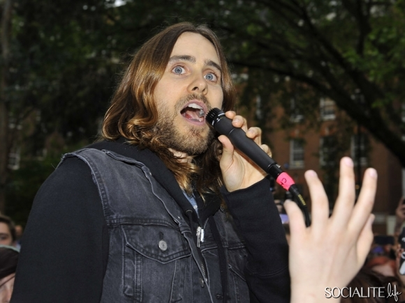 jared-leto-30-seconds-2-05302013-15-580x435