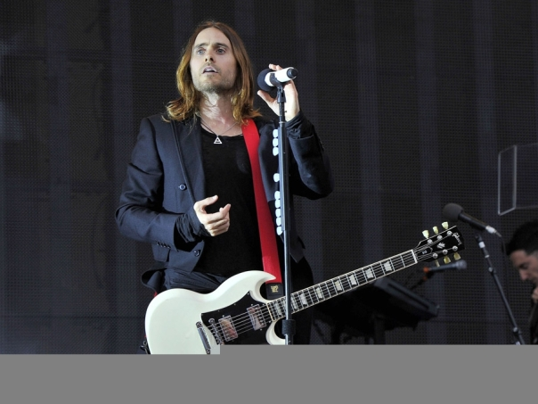 jared-leto-amusement-park-06202013-19-900x675